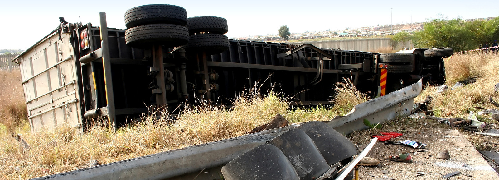 How-Can-I-Avoid-Truck-Accidents